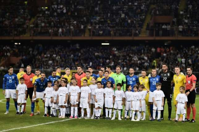 Genoa bridge victims honoured in Italy friendly