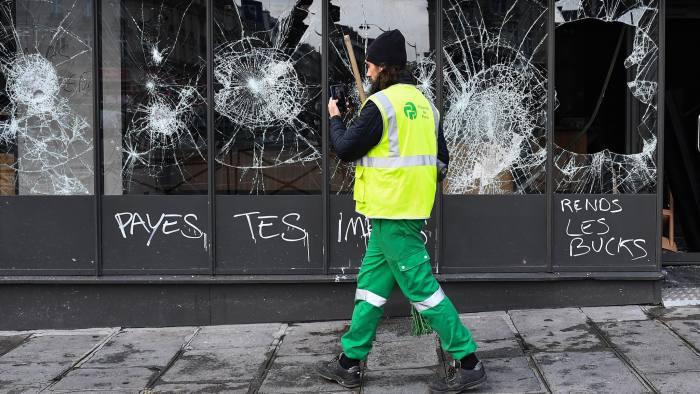 Emmanuel Macron to address nation after weekend of street violence