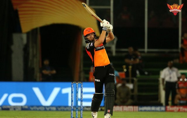 IPL : Sunrisers Hyderabad crush Dhoni-less CSK by 6 wickets