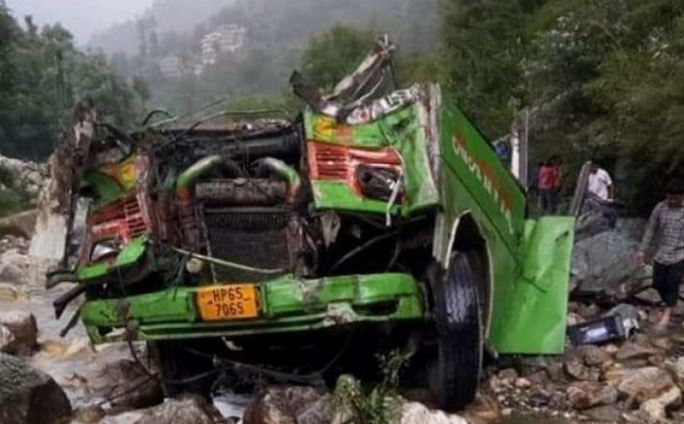 44 dead as bus falls into gorge in India