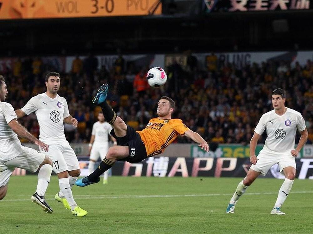 Stunning Jota goal sends Wolves into Europa League play-offs