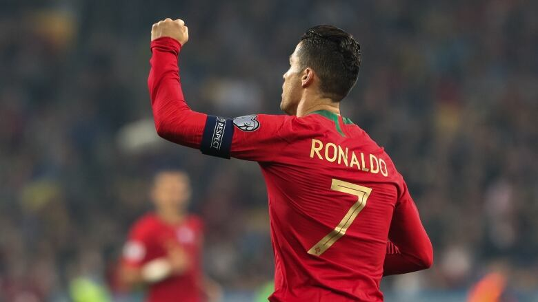 Cristiano Ronaldo scores 700th career goal