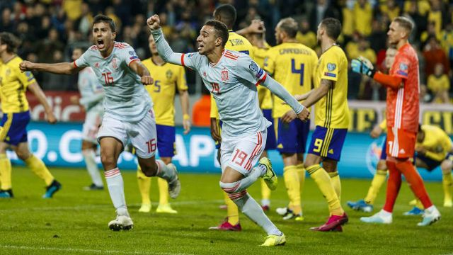 Spain qualify for Euro 2020 after late draw against Sweden