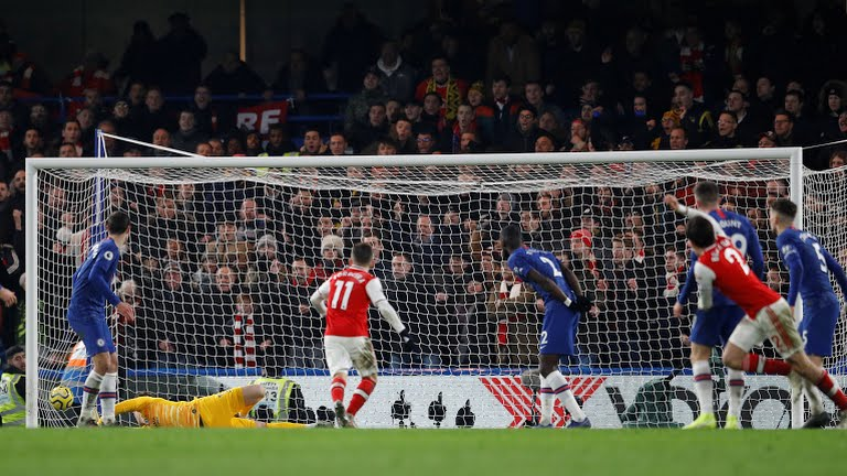 Bellerin rescues 10-man Arsenal at Chelsea