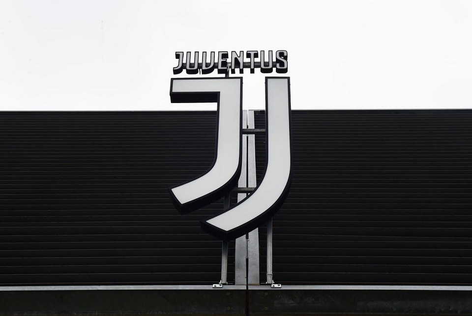 Juventus players and coaching staff agree four-month wage cut